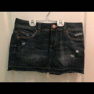 aéropostale distressed denim skirt 7/8